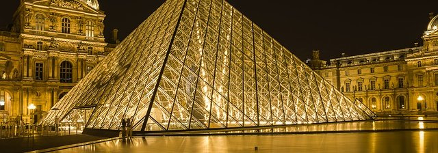 louvre-museum-2218336_640.jpg