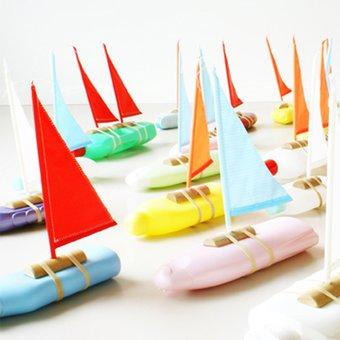 Image de Fabriquer un bateau pour Playmobil® avec des bouteilles ! -