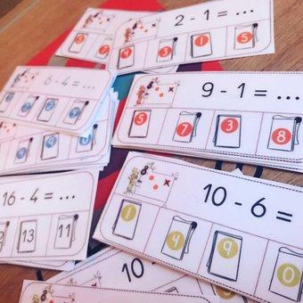 Image de Ateliers soustractions : cartes à pince