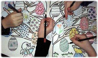 Image de Coloriage géant à imprimer : l'arbre de Pâques